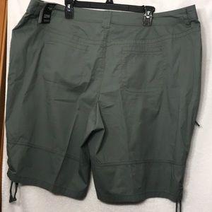 NWT Style & Co 22w Bermuda Mid Rise Shorts